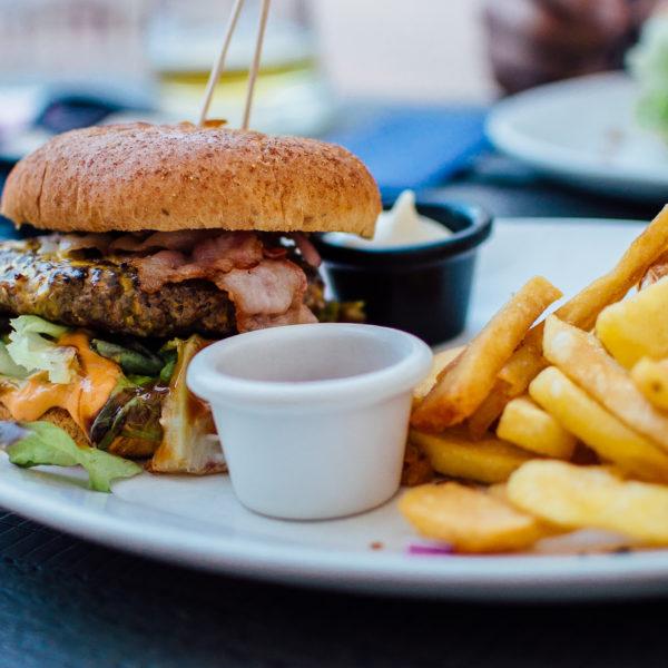 10oz Cheeseburger & Fries